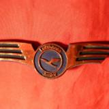 Insigna Aviatie Lufthansa -Junior - plastic metalizat ,l= 8,2 cm, Europa