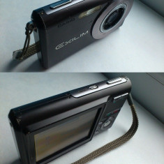 Vand Aparat Foto CASIO EX-Z60 cu zoom-ul defect in rest functional! - Aparat Foto compact Casio, 3x, 2.5 inch