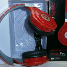 Casti Beats Pro cu radio FM, slot micro sd, acumulator si cablu detasabil Monster Beats by Dr. Dre, Casti Over Ear, Fara Fir, Active Noise Cancelling