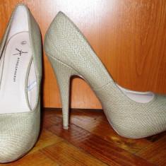 NOU Pantofi cu toc inalt bej petrecere / club animal fabric ( tip piele sarpe ) platforma ascunsa ATMOSPHERE Primark Anglia marimea UK 7 EUR 40 - 41 - Pantof dama Asos