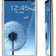 Vand / Schimb Samsung Galaxy S3 + carcasa cu baterie 3200 mA/h - Telefon mobil Samsung Galaxy S3, Alb, 16GB, Neblocat, Quad core, 1 GB