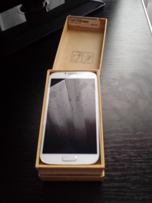 Samsung Galaxy S4-White foto mare
