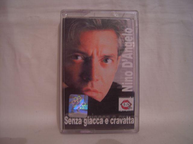 Vand caseta audio Nino D Angelo-Senza giacca e cravatta , originala ! foto mare