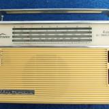 RADIO OVERSEAS  ELECTRONICA , DE COLECTIE !   MODEL FOARTE RAR ! FUNCTIONEAZA !