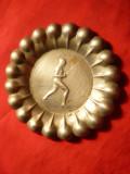 Scrumiera Trofeu Scrima ,semnata ,1931 ,alpaca argintata ,d= 7 cm