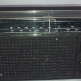 Radio portabil analog Philips 250 2benzi - Aparat radio Philips, 0-40 W