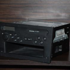 Grunding R2001 - Aparat radio Grundig, Digital, 0-40 W