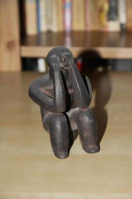 Ganditorul de la Hamangia, cultura neolitica din mileniul IV-II i.Hr. foto