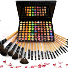 Trusa machiaj profesionala 88 culori Sun Kiss Fraulein Germania + Set 24 pensule - Trusa make up