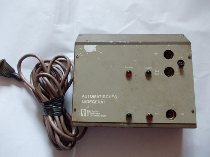 INCARCATOR AUTOMAT  2,4 V-  4,8 V SI 12 V .