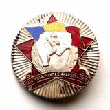 ROMANIA INSIGNA GMA GATA PENTRU MUNCA SI APARAREA RPR - CU SERIE - 35 mm **, Romania de la 1950