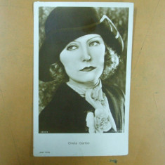 Carte postala Greta Garbo cu palarie si esarfa