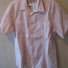 Camasa Marca GUESS Model slim fit 100% ORIGINALA Culoare Roz Marime M cumparata SUA - Camasa barbati Guess, Marime: M, Maneca scurta