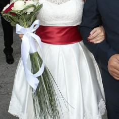 Vand rochie de mireasa scurta, model unic realizat de firma Mirandi din Piatra Neamt. - Rochie scurta de mireasa