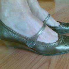 Pantofi din piele cu platforma marimea 39, sunt noi! - Pantof dama, Culoare: Auriu, Auriu, Cu talpa joasa