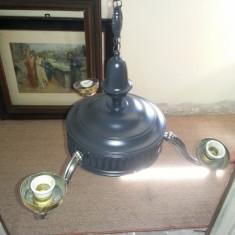 Vechi candelabru din alama