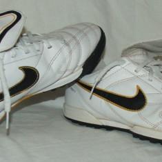Adidasi fotbal copii NIKE TIEMPO - Adidasi copii Nike, Marime: 36.5, Culoare: Din imagine, Baieti