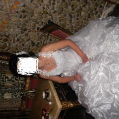 rochie de mireasa+accesorii