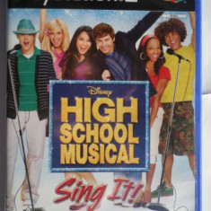 JOC PS2 DISNEY HIGH SCHOOL MUSICAL SING IT! ORIGINAL PAL / STOC REAL / by DARK WADDER - Jocuri PS2 Altele, Simulatoare, Toate varstele, Multiplayer