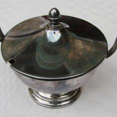 Cupa argintata pentru gheata, prevazuta cu doua anse si capac, Ornamentale