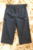Pantaloni ¾ Nike; marime S (38/40): 78-97 cm talie elastica, 72 cm lungime