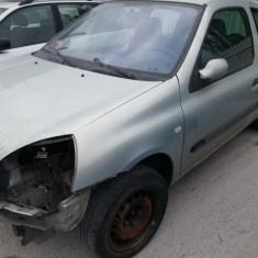 Dezmembrez renault clio 2003, 1.5dci, 60kw - Dezmembrari Renault