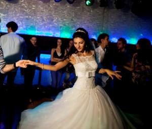 Rochie de mireasa cu dantela - Calin Events