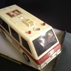 Bnk jc URSS - Masina de pompieri - cu baterii - necesita reparatii - Jucarie de colectie