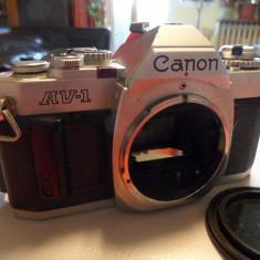 Aparat foto film 35mm CANON AV-1 fara obiectiv perfect functional - Aparat Foto compact Canon