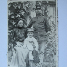 FOTOGRAFIE OFITER DE HUSZARI WW I CU FAMILIA - Fotografie veche
