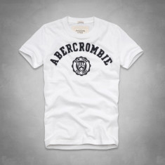 ABERCROMBIE & FITCH TRICOU - Tricou barbati Abercrombie & Fitch, Marime: XL, Culoare: Alb, Maneca scurta, Bumbac