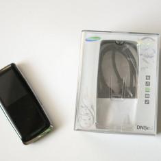 Vând mp3 player Samsung YP-S3, 4GB, cu casti, cablu de date, stare impecabilă., Negru