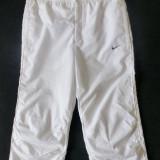 Pantaloni ¾ Nike; marime M: 74-86 cm talie elastica, 73.5 cm lungime etc.