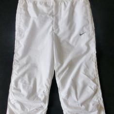 Pantaloni ¾ Nike; marime M: 74-86 cm talie elastica, 73.5 cm lungime - Pantaloni dama Nike, Marime: M, Culoare: Din imagine
