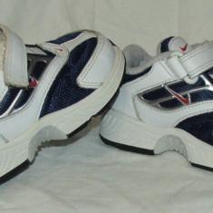 Adidasi copii NIKE - nr 21, Baieti, Alb
