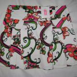 Fusta REDS scurta cu model floral-marimea M, noua