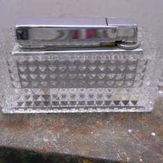 Bricheta din cristal, Rowenta, 8, 5x3cm., inalt. 4 cm/ - Bricheta Cu benzina