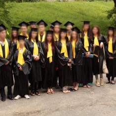 Vand robe absolventi second hand, Marime: M, Culoare: Negru