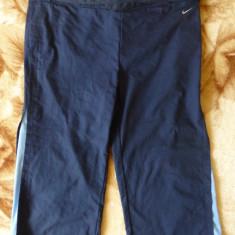 Pantaloni ¾ Nike Dri Fit; marime S: 87-93 cm talie putin elastica, 70 cm lungime - Pantaloni dama Nike, Marime: S, Culoare: Din imagine