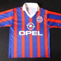 Tricou FC Bayern Munchen; 55 cm bust, 56 lungime, 50 cm umeri; impecabil, ca nou - Tricou barbati, Marime: Alta, Culoare: Din imagine, Maneca scurta