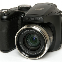 Aparat Foto Fujifilm FinePix S5800 (8 Megapixeli) + Husa - Aparat Foto compact Fujifilm, 8 Mpx, 10x, 2.5 inch