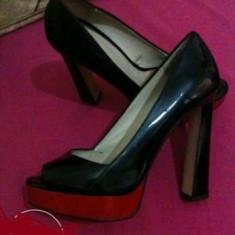 Pantofi decupati zara 36 - Pantof dama Zara, Culoare: Negru, Negru, Cu toc