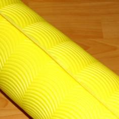 Saltea Izopren Izolir Polifoam 7-8mm Galben + Elastic cu Mici URME DE ELASTIC