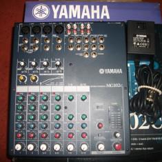 Mixer audio Yamaha MG102c