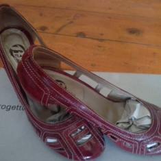 Pantofi decupati - Pantof dama Bata, Culoare: Rosu, Marime: 37, Cu talpa joasa