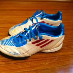 Ghete, adidasi, nike copii footbal pt teren sintetic - Ghete fotbal Adidas, Marime: 31, Culoare: Alb, Asfalt: 1, Sala: 1