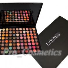 Trusa Machiaj 88 culori MAC Anglia farduri sidefate si metalice in culori pigmentate - Trusa make up