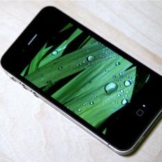 iPhone 4 Apple 32GB liber in orice retea la pret de criza, Negru, Neblocat