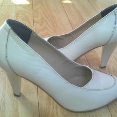 Pantofi din piele marimea 38, sunt noi! - Pantof dama, Culoare: Crem, Albastru