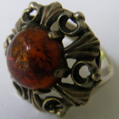 Inel vechi din argint cu chihlimbar (11) - de colectie